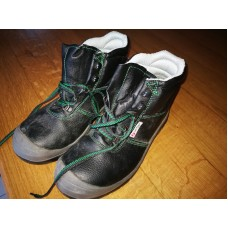 Winter High Shoes and Safety - Size 39